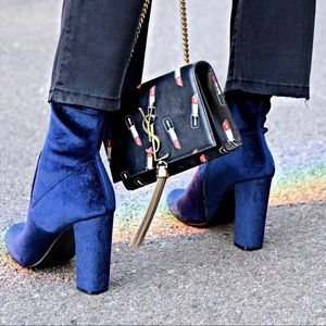 Steve Madden Edit Blue Velvet